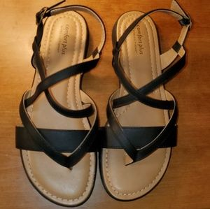 NWOT Comfort Plus by Predictions strappy sandal